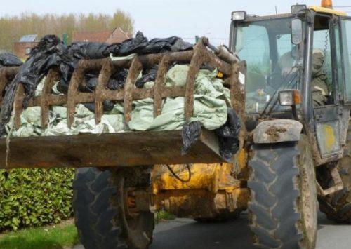 Collecte de bâches agricoles dans les recyparcs Ipalle